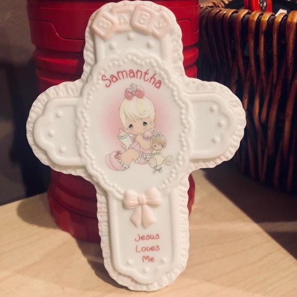 Precious Moments Baby Jesus Loves Me Cross